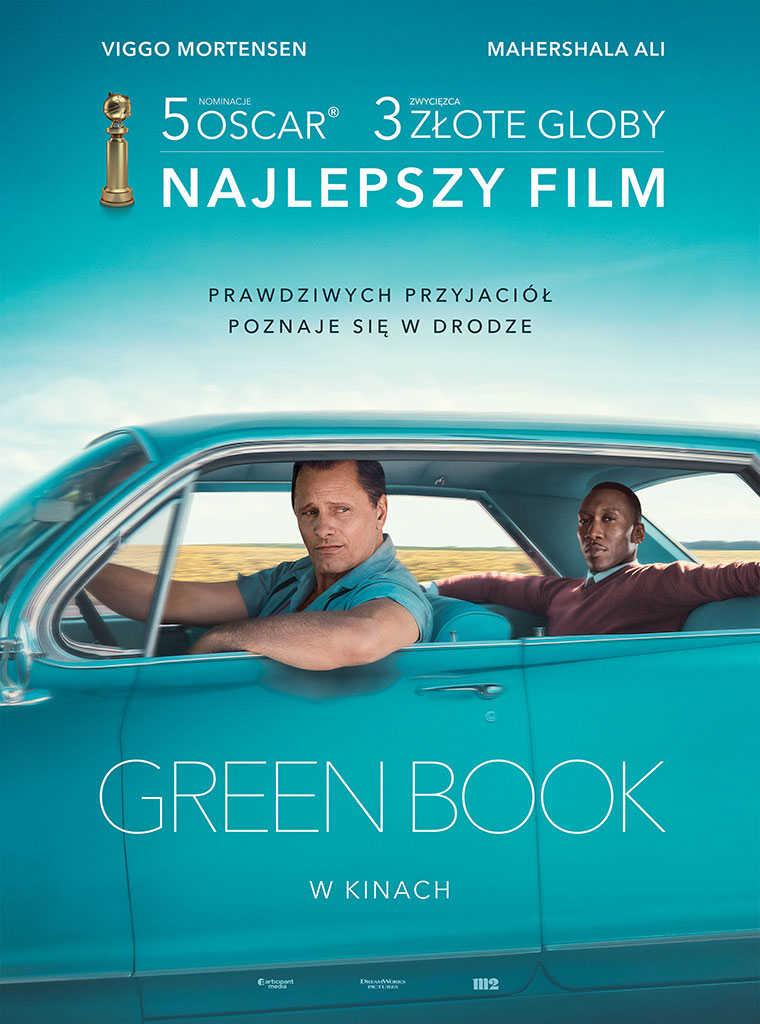 plakat filmu green book dwaj mężczyźni siedzą w turkusowym samochodzie